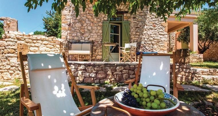 Holiday home in Greece with grapes and shade